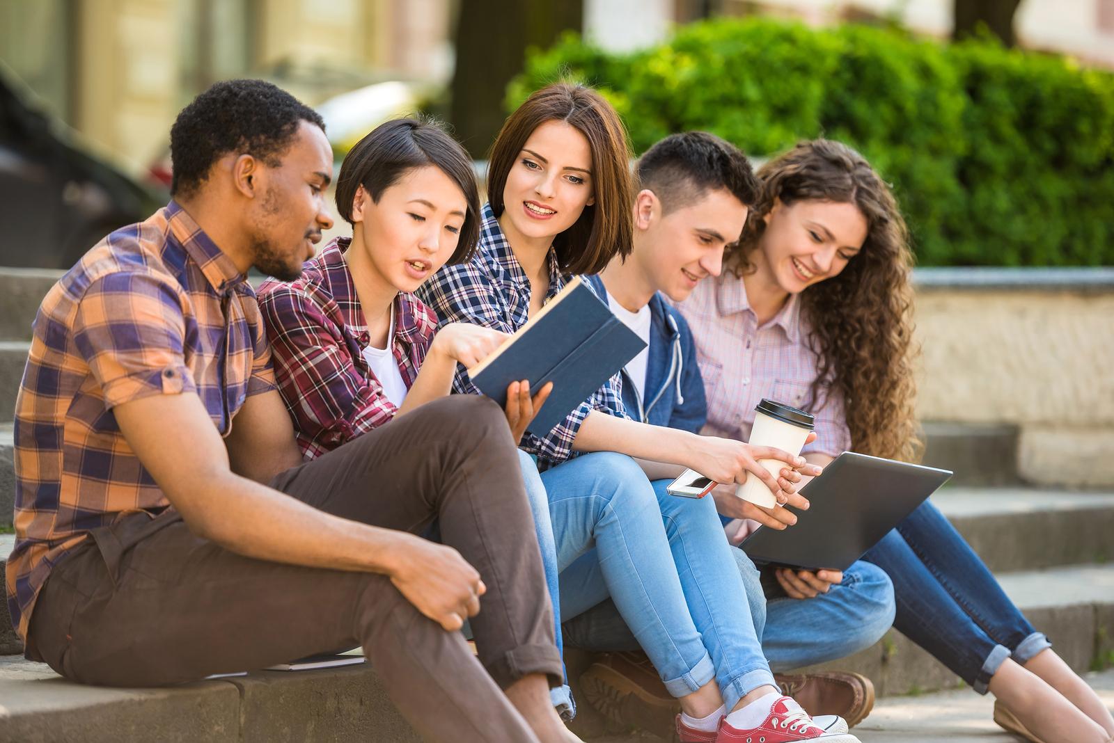 Sejour-linguistique-ado.com : apprendre ensemble