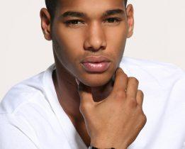 La coupe de cheveux homme noir dégradé nécessite l'intervention d'un coiffeur professionnel